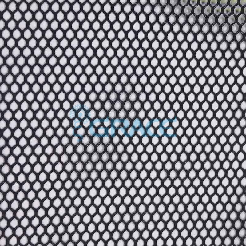 Спортивная сетка огнестойкая 97 гр/м², черная средняя, Siatka S 590 FR