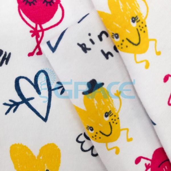 Кулирка джерси - ткань хлопковая трикотажная, белая с орнаментом из желтых и розовых сердечек