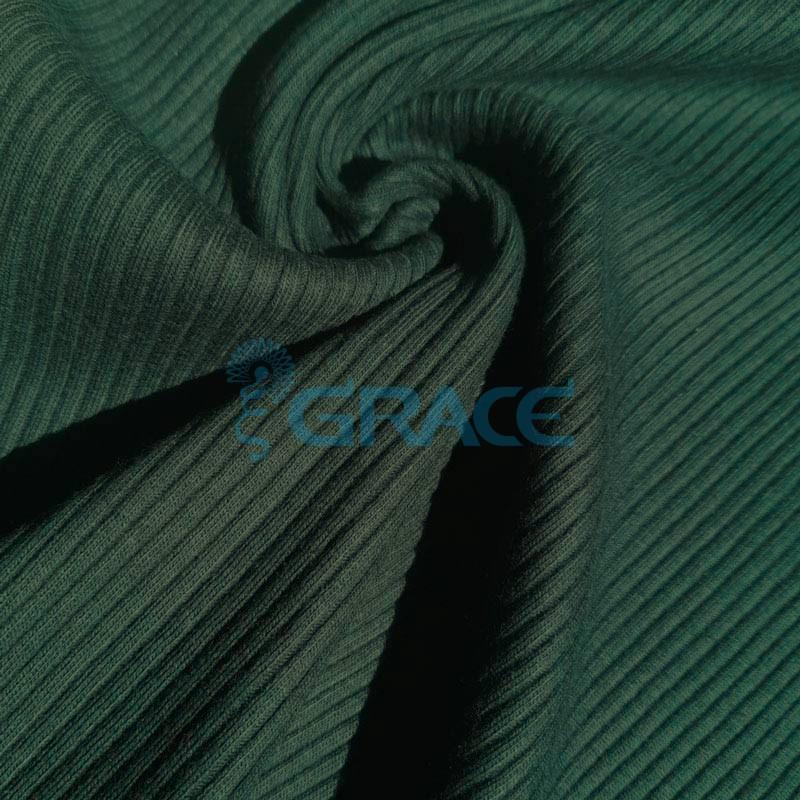 Ткань лапша - натуральная трикотажная, эластичная в темном, бутылочно-зеленом цвете с полосками